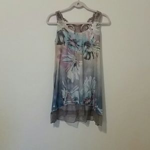 4/$20 sleeveless floral top